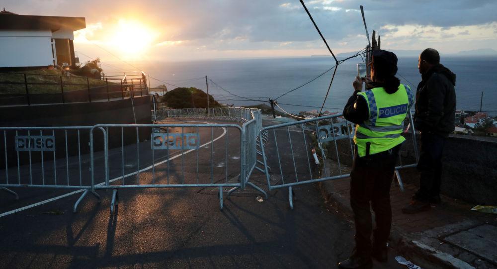 El lugar del accidente de un autobús en la isla de Madeira, Portugal