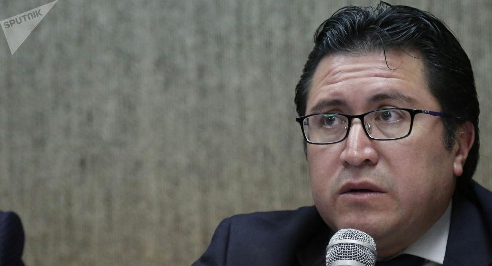 Carlos Poveda, el abogado privado de Assange en Ecuador