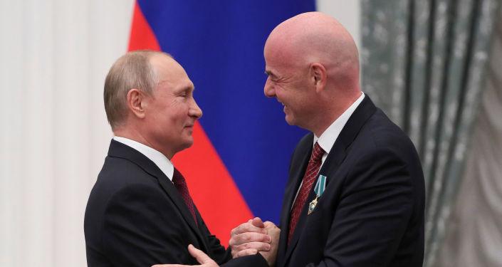 El presidente ruso, Vladímir Putin, y el presidente de la FIFA, Gianni Infantino