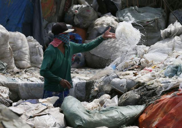 Recogida de basura en Filipinas (archivo)