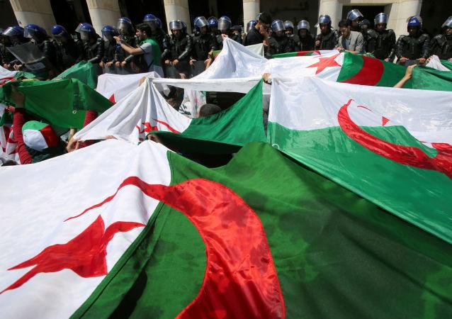 Las banderas de Argelia