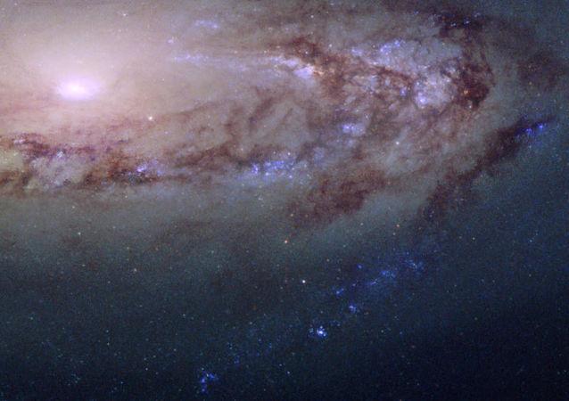 La galaxia espiral Messier 90
