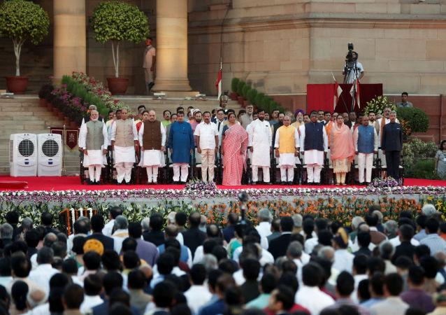 El nuevo Gobierno de la India presta juramento