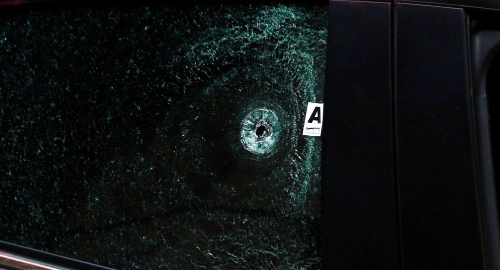 Disparo en el vidrio de un automóvil en México