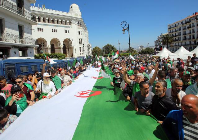 La bandera de Argelia