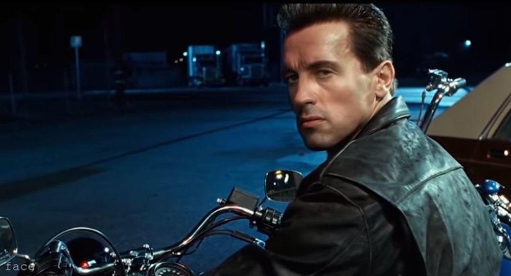 Sylvester StalloneStallone sustituyendo a Arnold Schwarzenegger en la película 'Terminator 2: el juicio final' con la ayuda de tecnología 'deepfake'