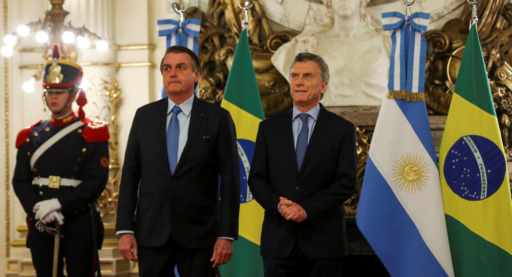 El presidente de Brasil, Jair Bolsonaro, con su par argentino, Mauricio Macri