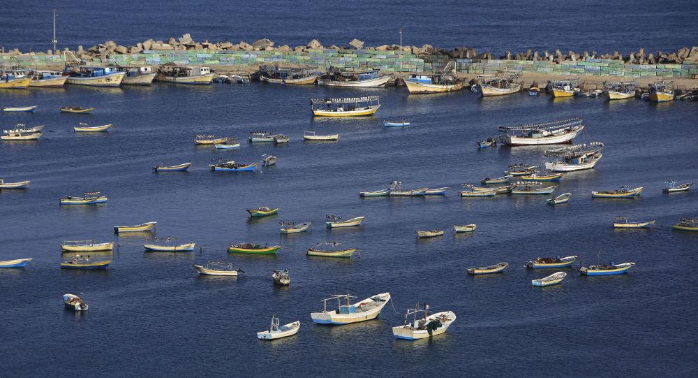 Los barcos de pescadores palestinos en el puerto de Gaza