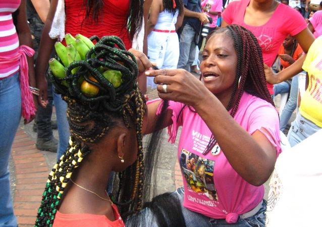 Concurso de peinadoras Tejiendo la esperanza en Colombia
