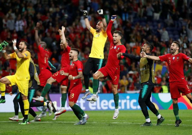Jugadores de la selección de fútbol de Portugal tras ganar la Liga de las Naciones de la UEFA