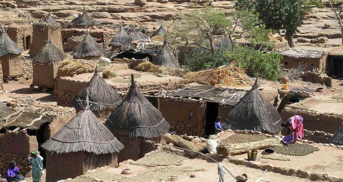 Un pueblo del grupo étnico de Dogon en Malí (imagen referencial)
