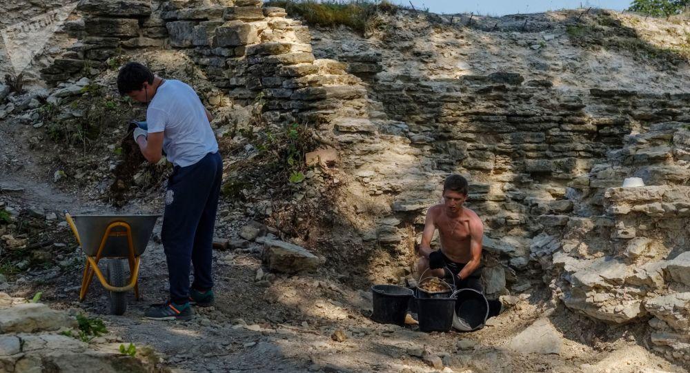 Arqueólogos rusos (archivo)