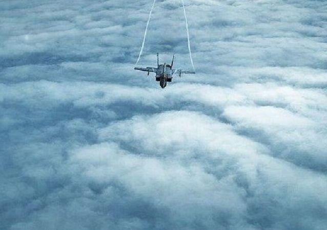 Desafiando al frío: impresionantes maniobras de los cazas rusos en el extremo norte