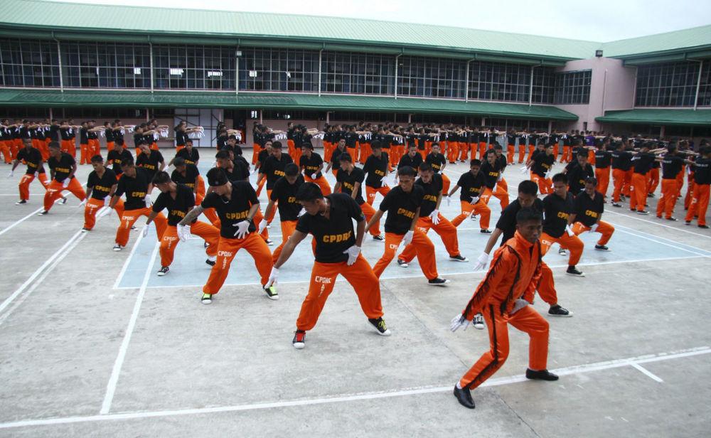 En 2010, en memoria de Michael Jackson, 1500 presos filipinos participaron en un 'flash mob' en el que bailaron un popurrí de canciones del Rey del Pop. Los ensayos con coreógrafos duraron más de un año. Como resultado, el vídeo con esta presentación se incluyó en la película de Michael Jackson 'This Is It'.