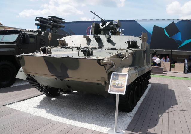 Vehículo blindado BT-3F en el Foro militar Army 2019 en Rusia