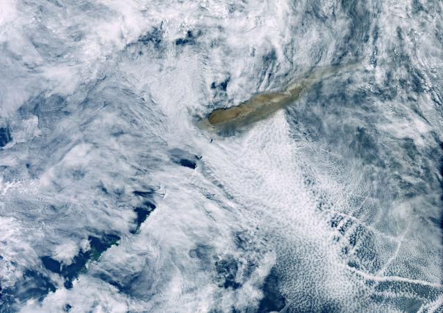 Imagen de la erupción del volcán Raikoke
