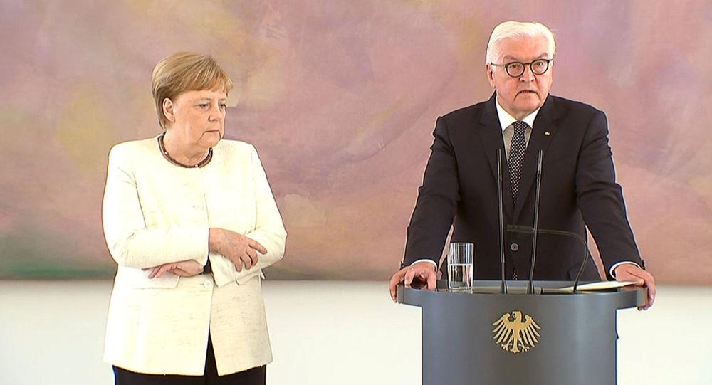 La canciller alemana, Angela Merkel, vuelve a temblar