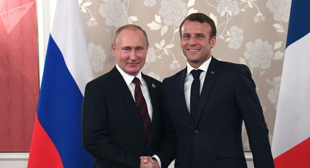 El presidente de Rusia, Vladímir Putin, y el presidente de Francia, Emmanuel Macron (archivo)