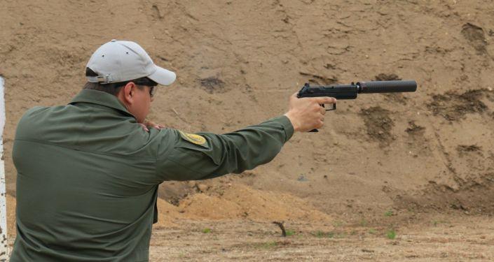 La pistola rusa Udav