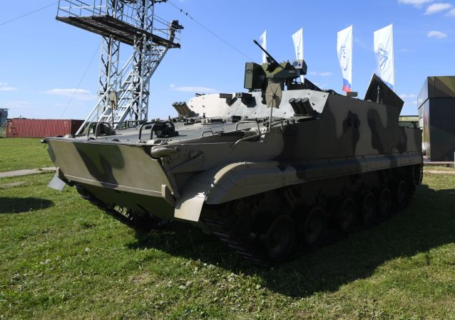 Transporte blindado BT-3F