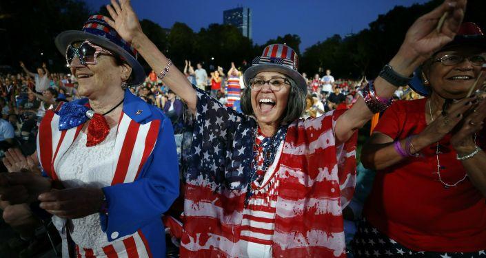 Estadounidenses festejan el Día de la Independencia (archivo)