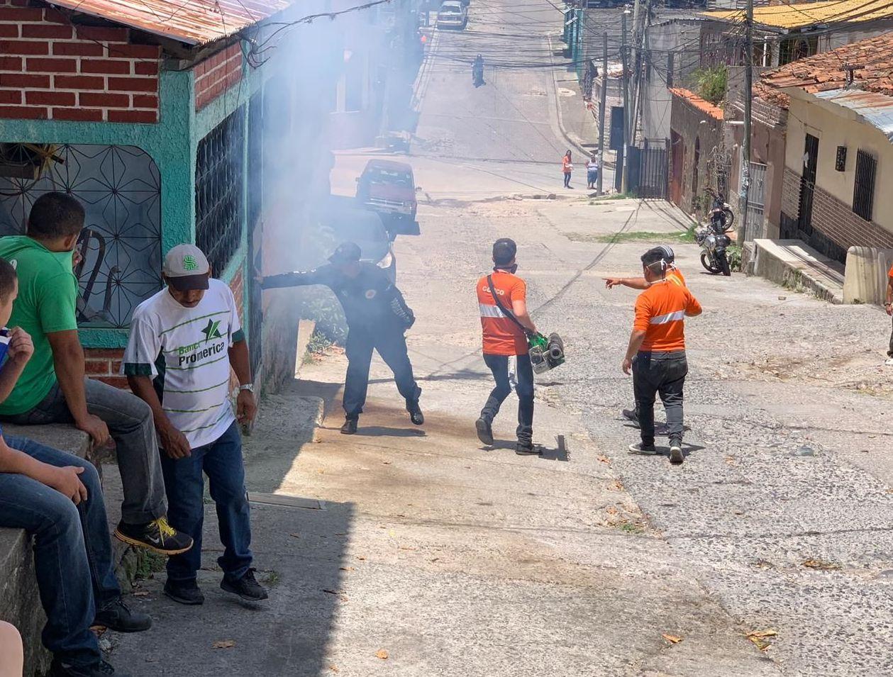 Tegucigalpa en plena campaña de fumigación por emergencia nacional ante el repunte de casos de dengue