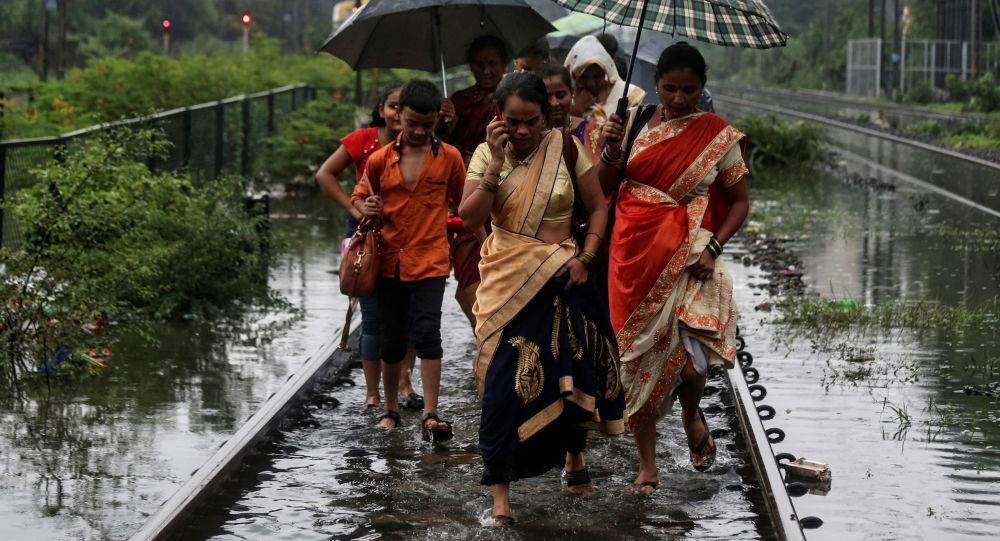 Los afectados por las inunddaciones en la India