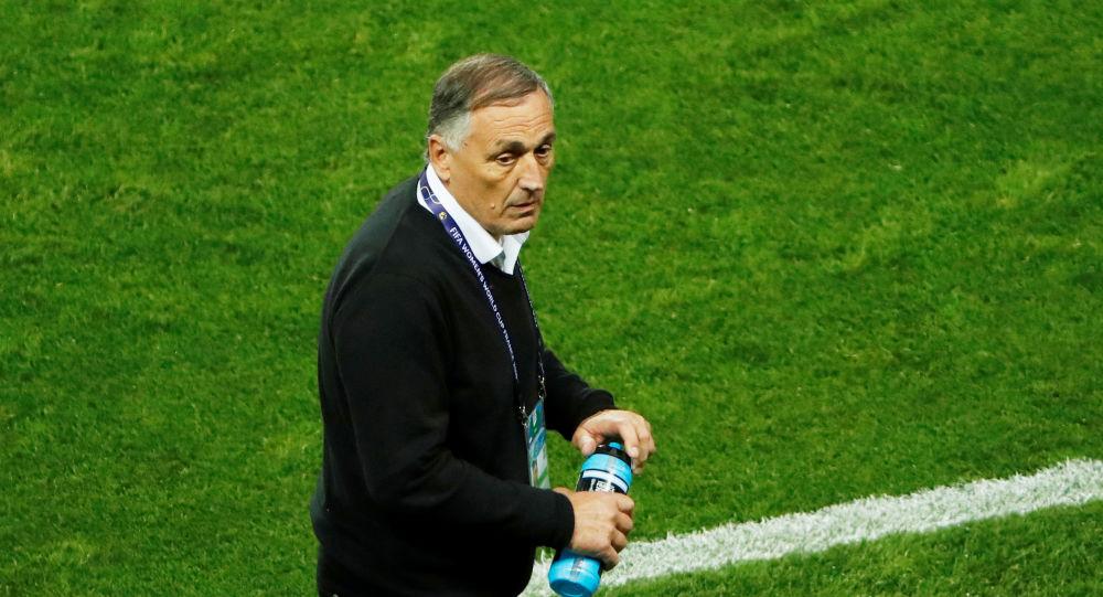 Carlos Borrello, técnico de la selección femenina de fútbol de Argentina