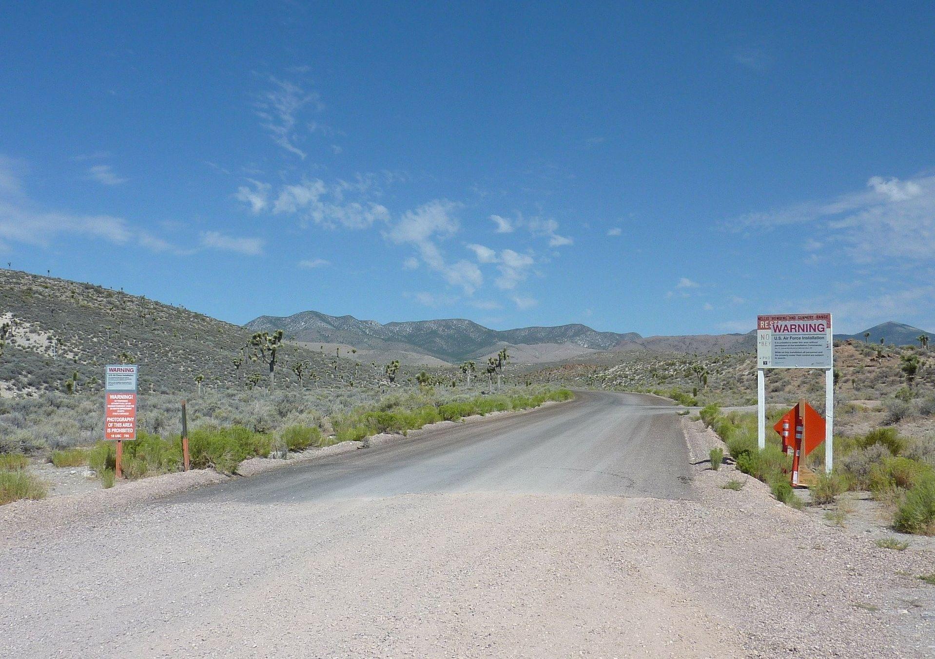 Carretera hacia el Área 51 en EEUU (imagen referencial)