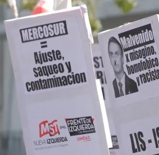 Los argentinos protestan contra la cumbre de Mercosur: Ajuste, saqueo y contaminación