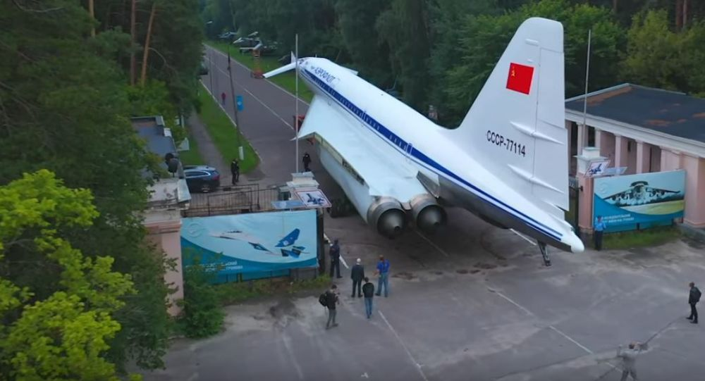 El Tu-144 es trasladado a Zhukóvski