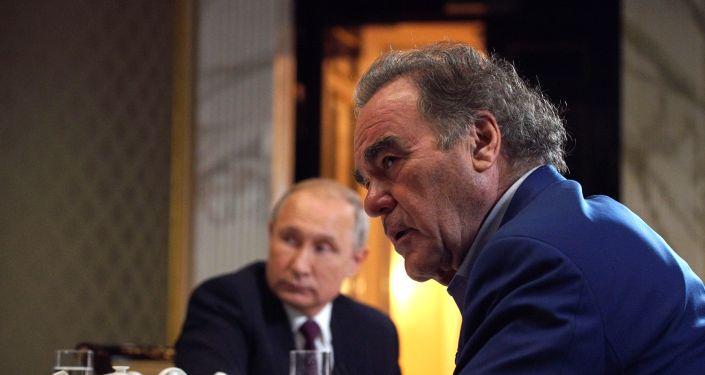 Entrevista del presidente ruso, Vladímir Putin, con el director Oliver Stone