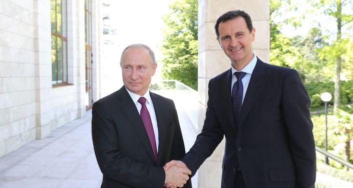 El presidente de Rusia, Vladímir Putin y el presidente de Siria, Bashar Asad (archivo)