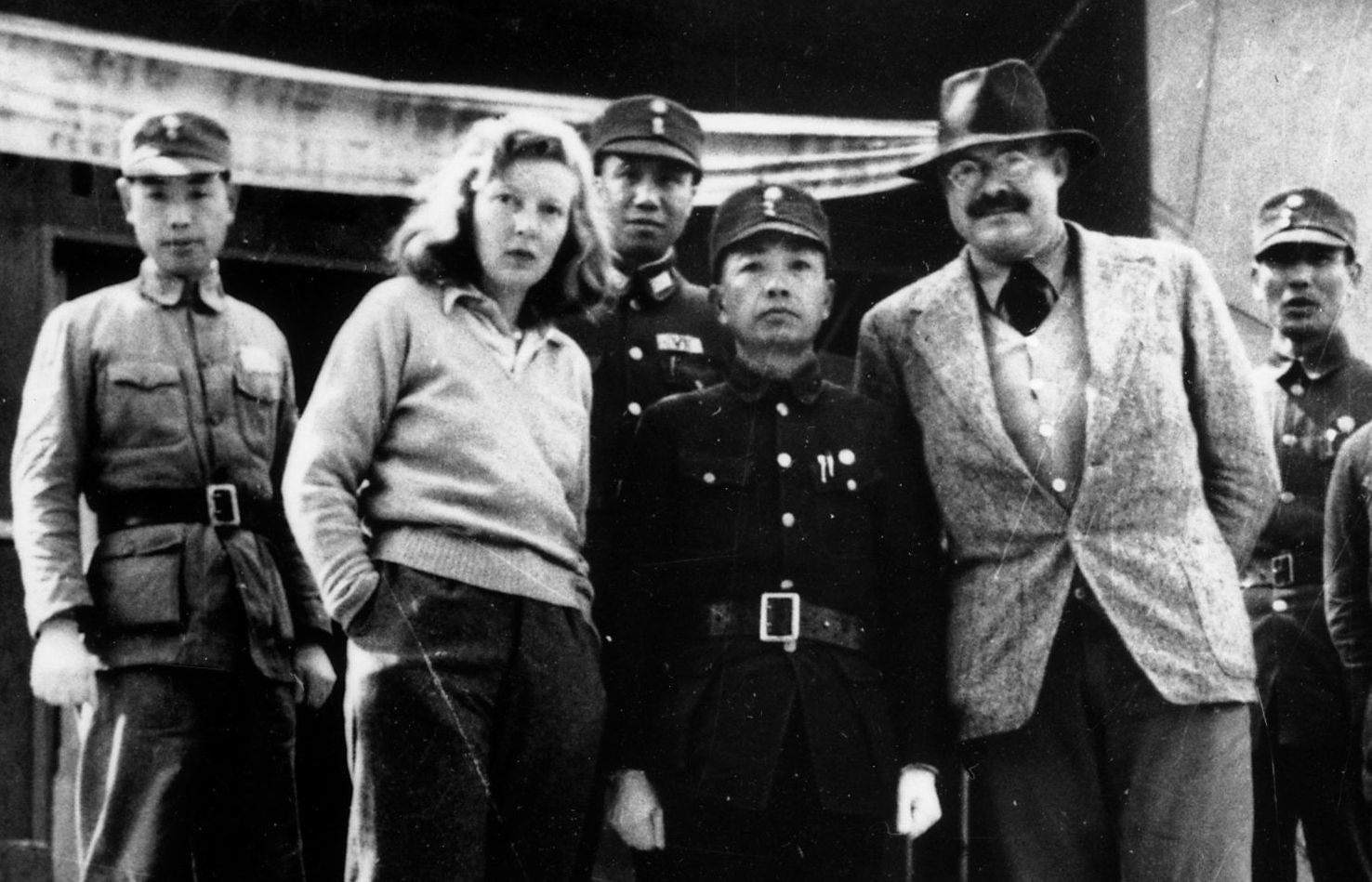 Ernest Hemingway y Martha Gellhorn, durante su visita a China en 1941