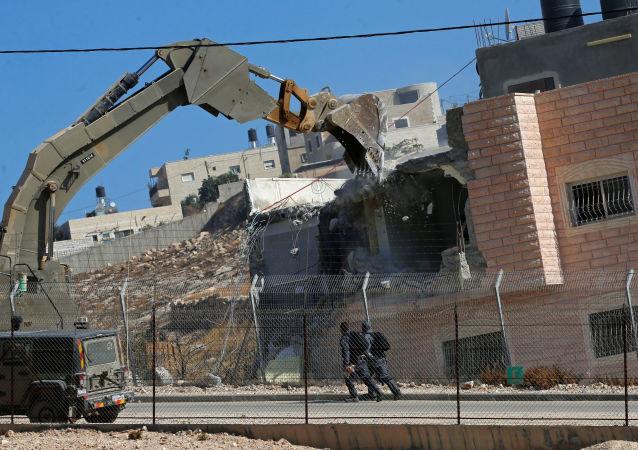Demolición de viviendas por parte de Israel en el barrio palestino de Sur Baher