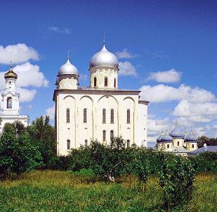 La catedral de San Jorge en el monasterio de Yúriev de Nóvgorod, Rusia, donde fueron encontrados los sarcófagos