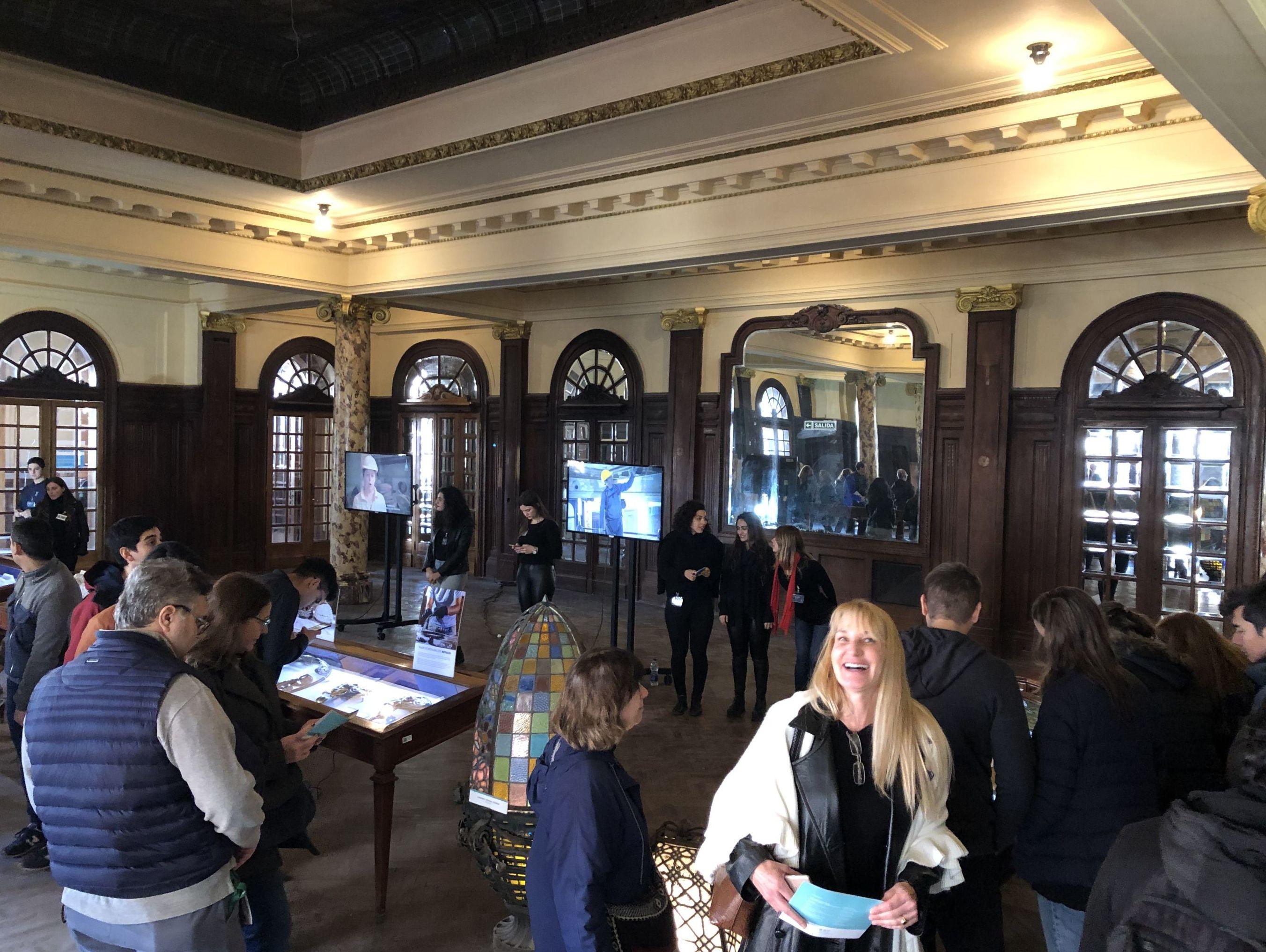 Más de 5.000 personas se acercaron a conocer o  o reencontrarse con el interior de la Confitería del Molino