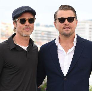 Los actores de Hollywood Leonardo DiCaprio y Brad Pitt
