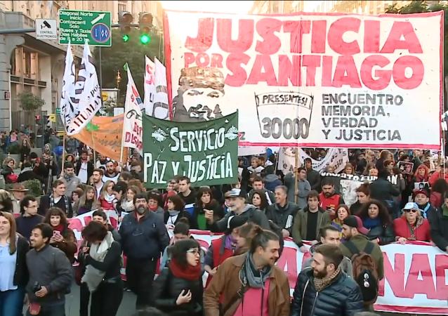 Justicia por Santiago: la marcha en Buenos Aires por la muerte del activista