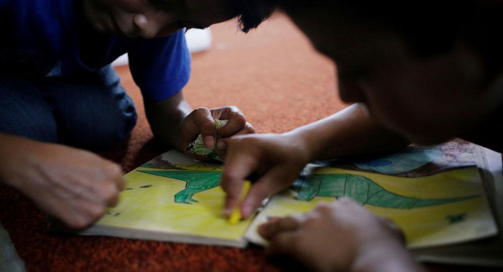Niños de migrantes centroamericanos