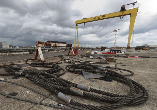 Cables en el astillero Harland and Wolff