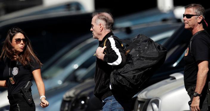 El ex millonario brasileño Eike Batista llega a la Policia Federal de Río de Janeiro