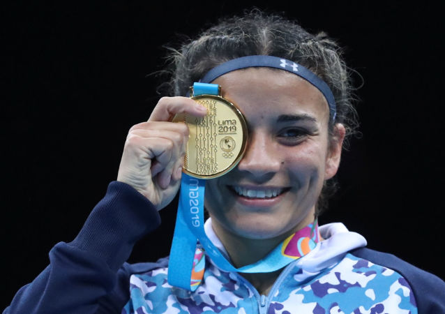 Leonela Rosa Sánchez, boxeadora de Argentina, celebre su victoria en los Juegos panamericanos Lima 2019 (archivo)
