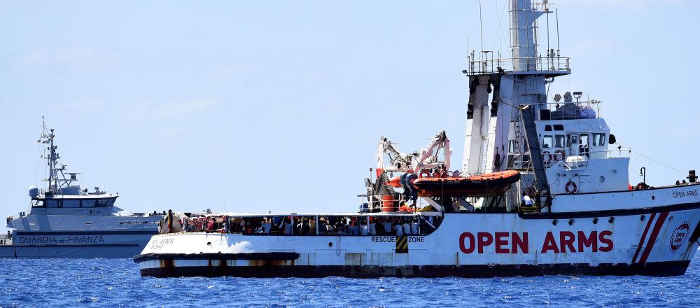 El barco de rescate Open Arms en el Mediterráneo