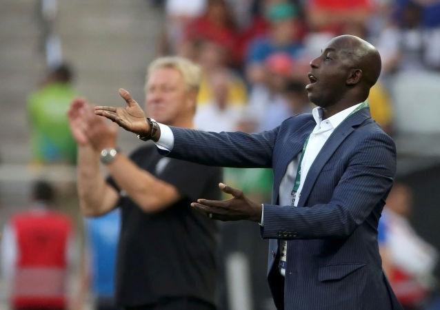 Samson Siasia, exseleccionador de la Federación Nigeriana de Fútbol