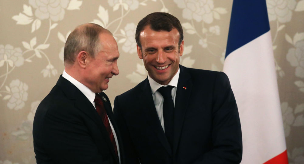 Presidente de Rusia, Vladímir Putin, y presidente de Francia, Emmanuel Macron