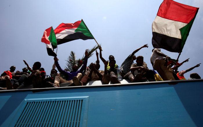 Empieza el juicio contra el expresidente sudanés Omar Bashir