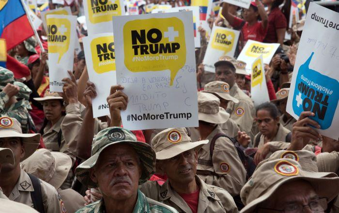 Un senador ruso sugiere al mundo que imponga sanciones a EEUU por Venezuela