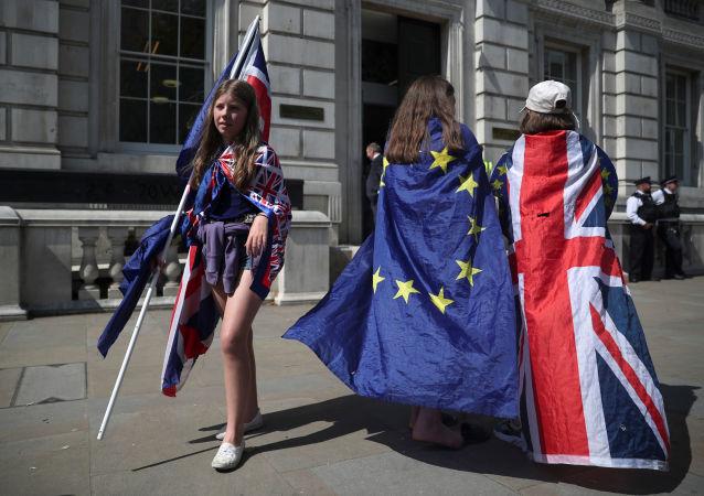Las banderas del Reino Unido y la Unión Europea