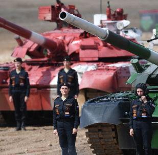 Mujeres tanquistas participantes en los Juegos Militares 2019